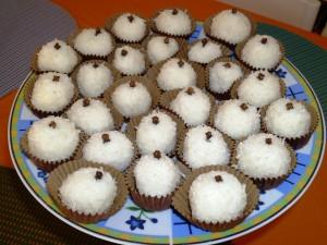 Bolitas de coco. Palline di cocco