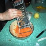 Grattugiare le carote