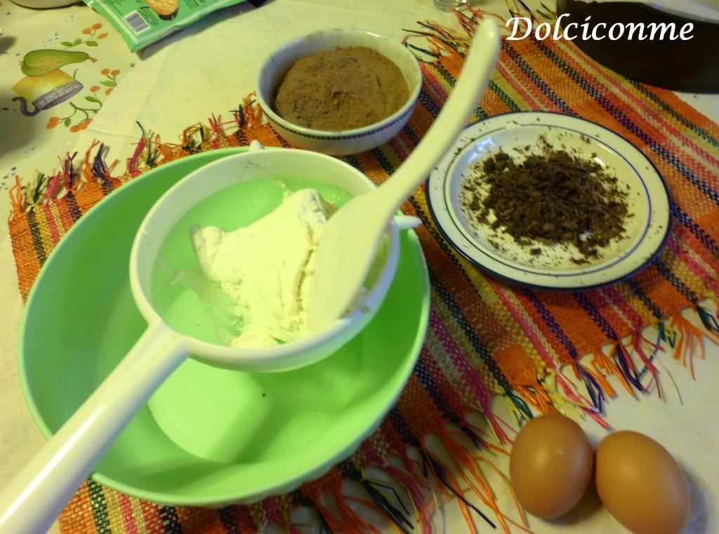 Ricotta al setaccio e cioccolato a pezzetti