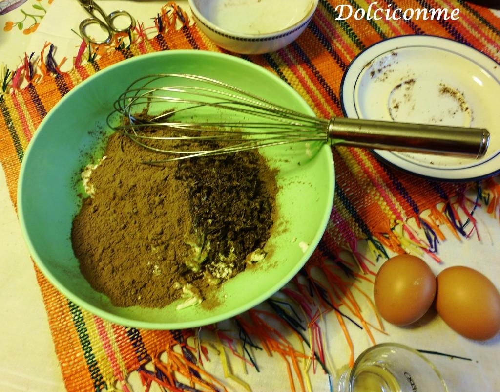Preparazione della crema ricotta e cioccolato