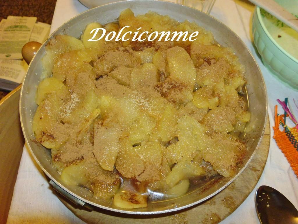 Torta completata con il succo delle mele