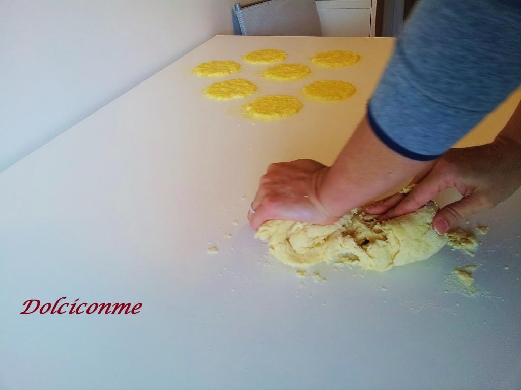 Preparazione della pasta delle sevade
