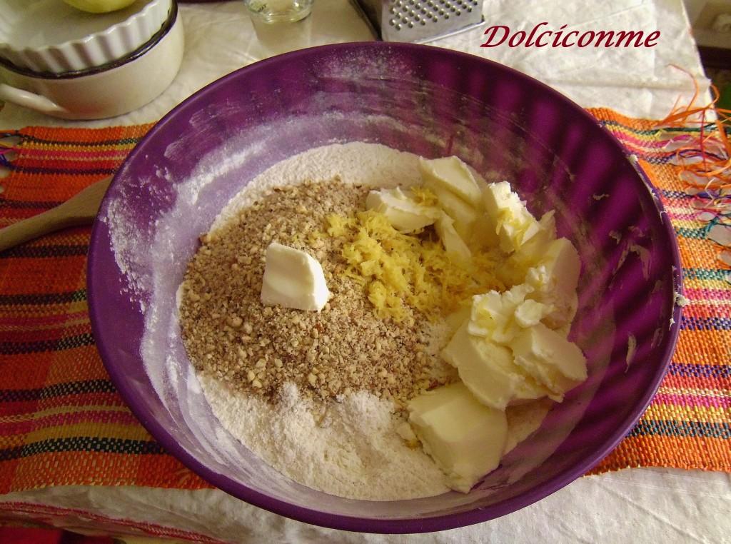 Farina, nocciole, burro, zucchero, buccia di limone, grappa