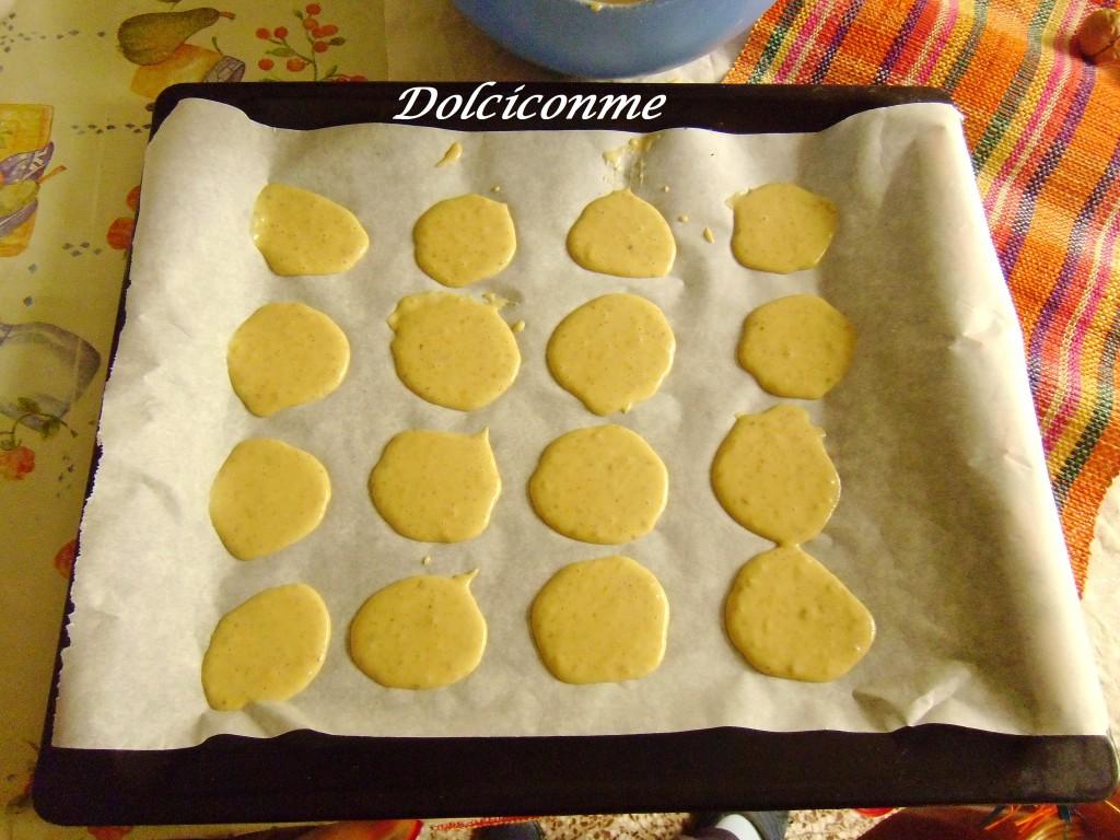 Biscotti nella teglia da forno