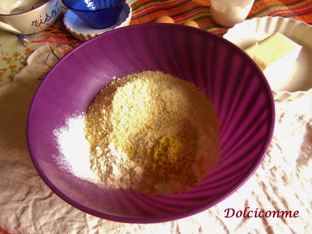 Farina, zucchero, mandorle, buccia di limone, sale