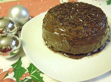 Il Panettone d'Abruzzo: un dolce di Natale originale. El Panettone de Abruzzo: un dulce de Navidad insólito.