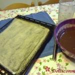 Teglia imburrata e passata con il pane grattugiato