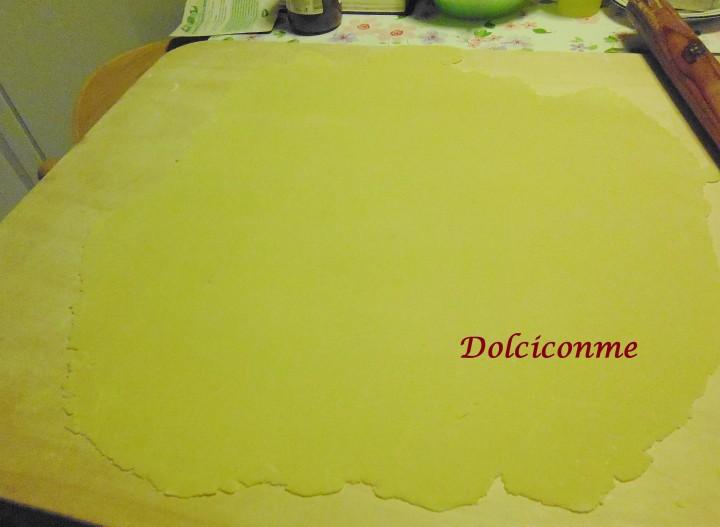 Pasta tirata con il mattarello