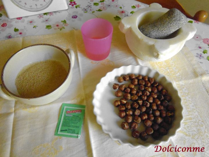 Ingredienti Croccantini alle nocciole