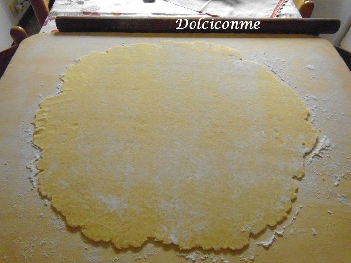 Pasta tirata al mattarello Rotolo dolce